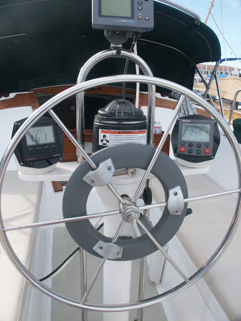 Name:  Helm w instruments.jpg Views: 23 Size:  96.3 KB