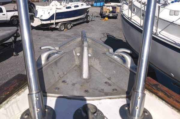 Name:  Bow plate and chocks.jpg